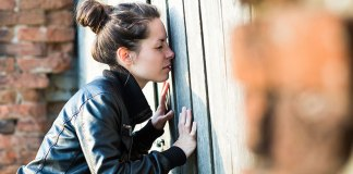 Things Girls Secretly Do But Would Never Admit