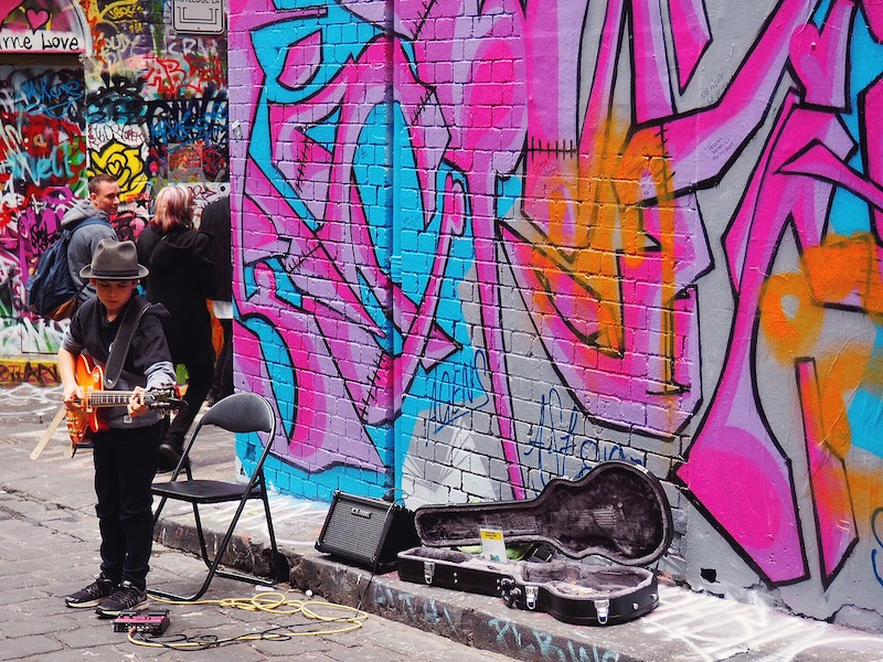 Busker on Hosier Lane