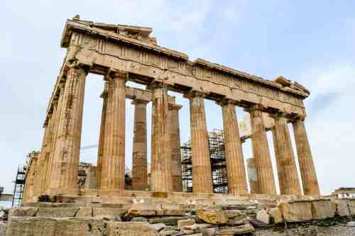 A beautiful picture of the Parthenon in Athens, but without all the summer crowds.