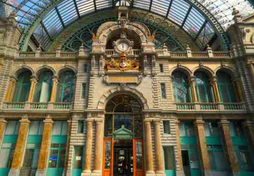 Now you see why Antwerp Central Station is consistently ranked as one of the most beautiful train stations in the world.