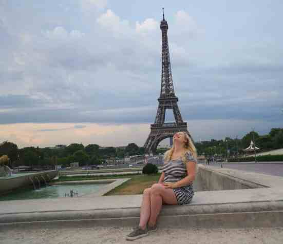 Yeah, I am way too happy way too early in the morning. But I can't help it! I love the view of the Eiffel Tower from Trocadero.