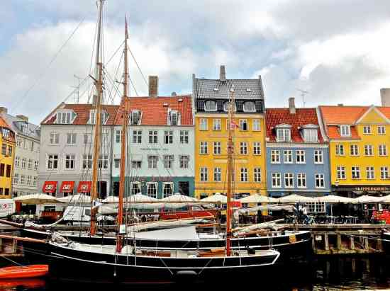 Nyhavn may be a bit touristy but it sure is pretty.
