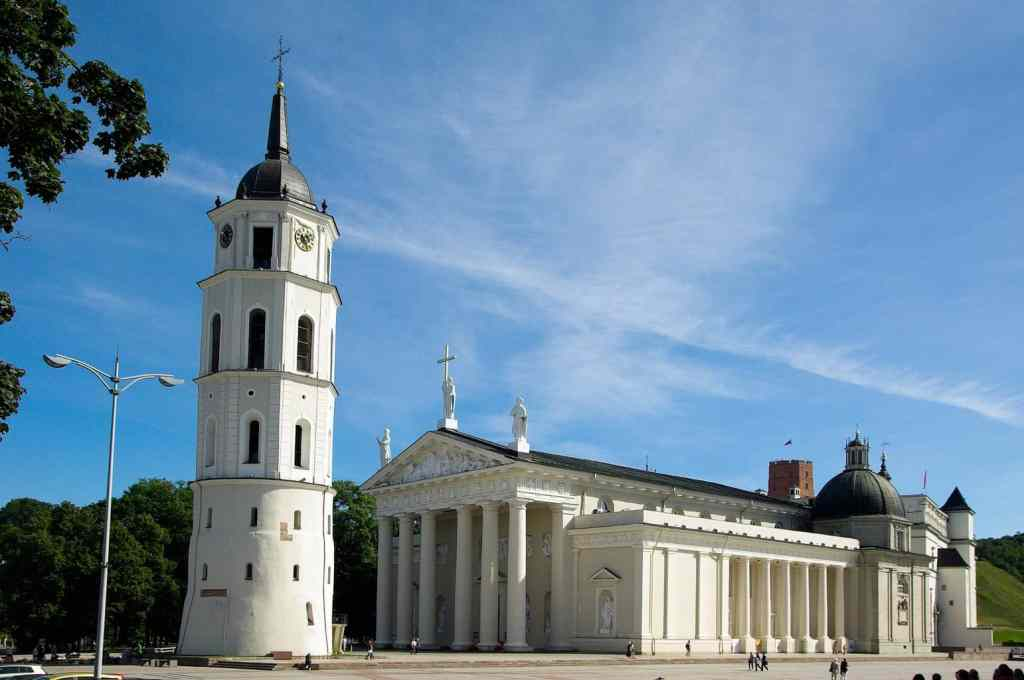 Experience the beauty of Vilnius Cathedral.
