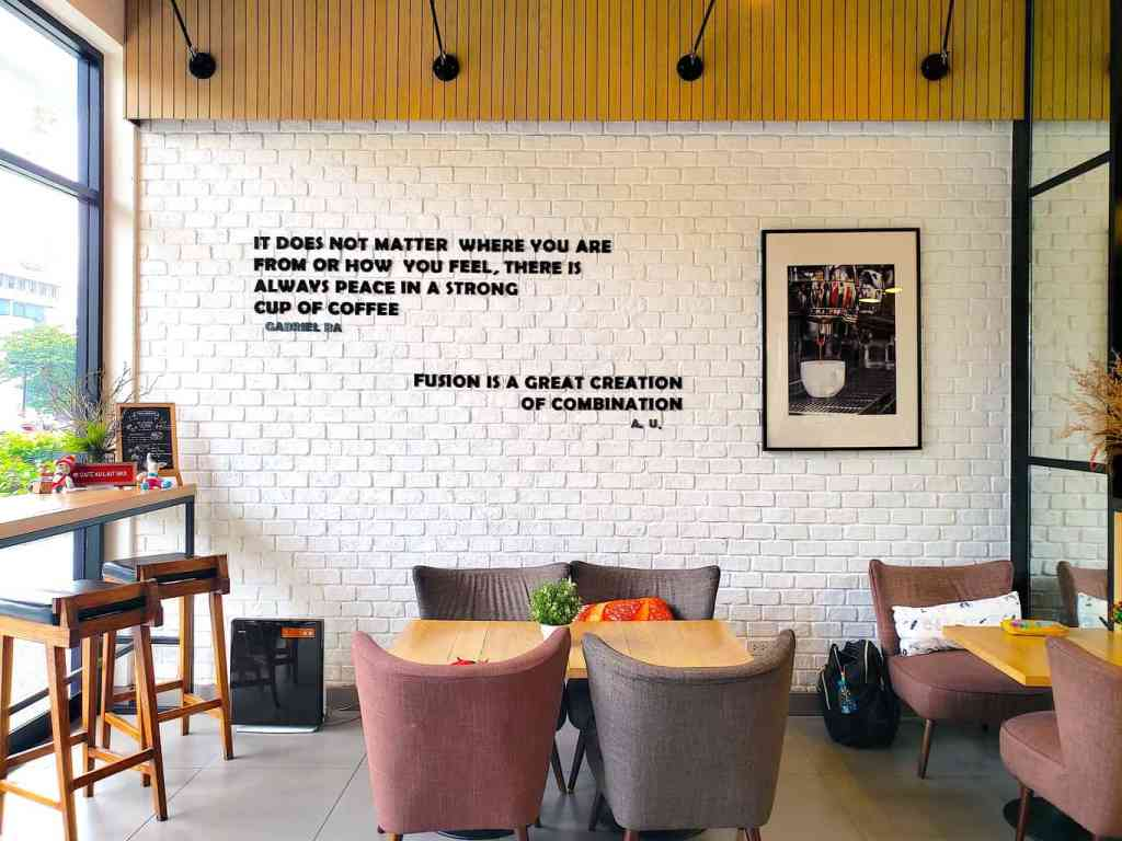 In addition to its inspiring decor, Cafe Au Lait also offers an amazing breakfast in Bangkok.