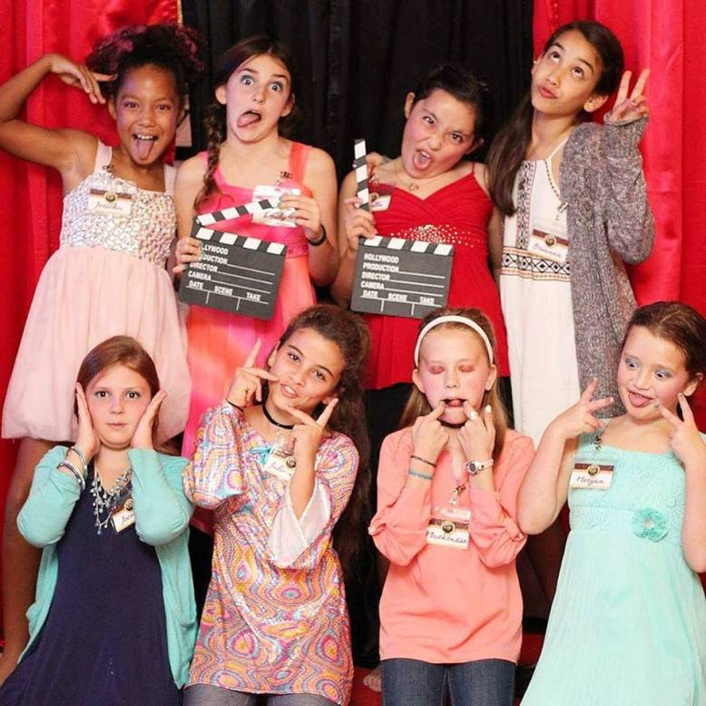 Tween-Party-Red-Carpet-Theme