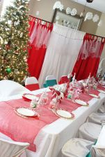 Elf on the Shelf Tablescape