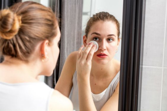 How to Remove Eye Makeup: A No-Tears Guide