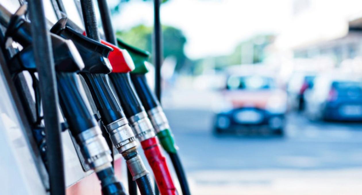 Benzina a 1 euro al litro: dal 31 agosto aumentano gli sconti,
