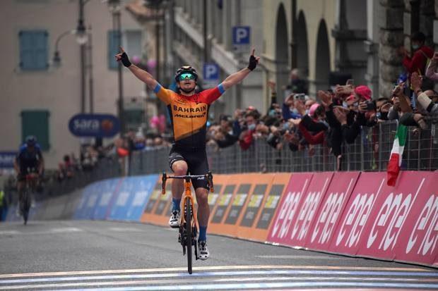 Giro d'Italia verso le grandi montagne con Almeida sempre in maglia rosa