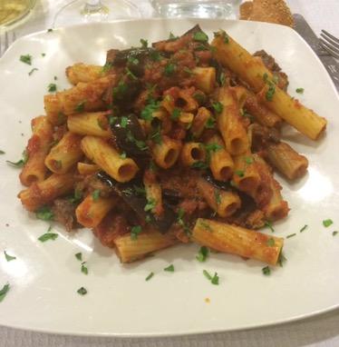 Palermo - pasta melanzane fritte e spada