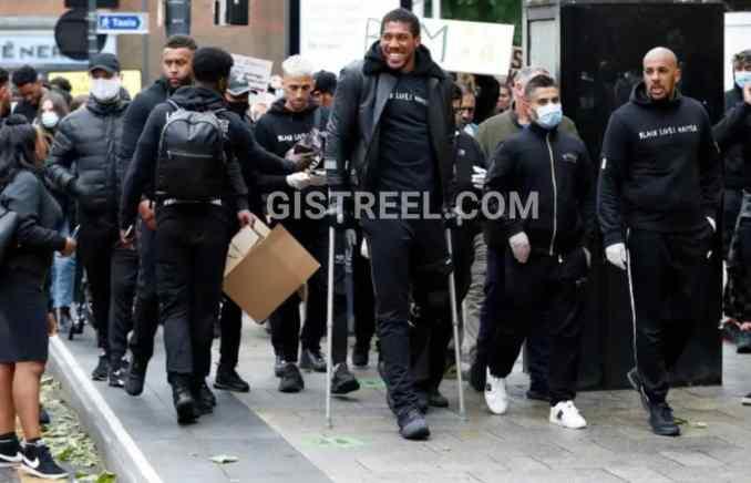 Anthony Joshua attends #BlackLivesMatter protest despite injury (Photos/Video) 2