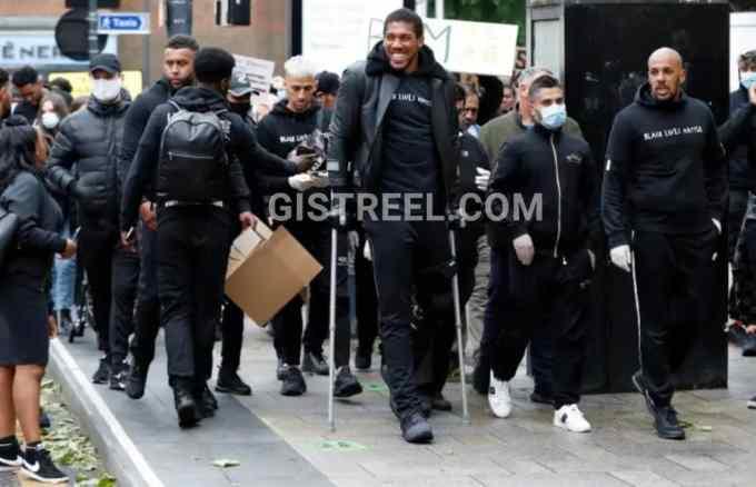 Anthony Joshua attends #BlackLivesMatter protest despite injury (Photos/Video) 4