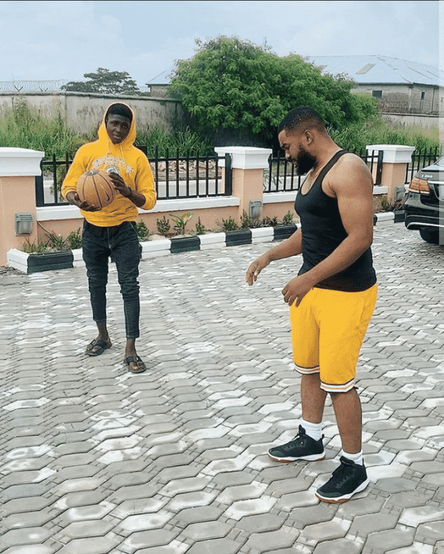 Uchemba playing basketball with Demola