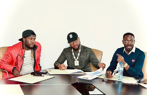 Davido signs new artiste, Deinde, to his DMW record label 1