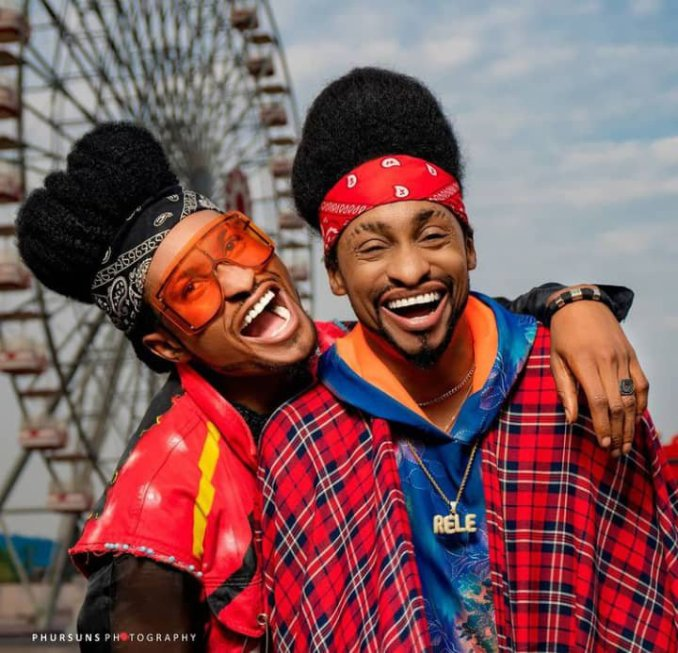 Denrele Edun meets his lookalike