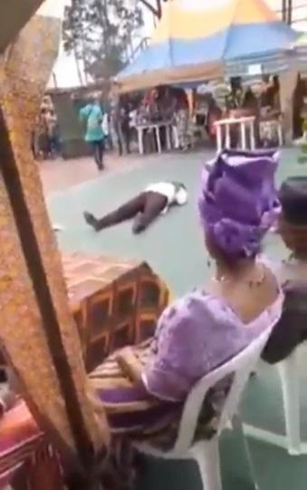Man allegedly dies of heart attack while dancing at an event in Rivers (Video)