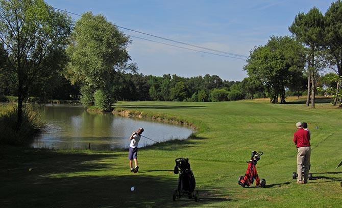 Jouez au golf à La Roche Posay
