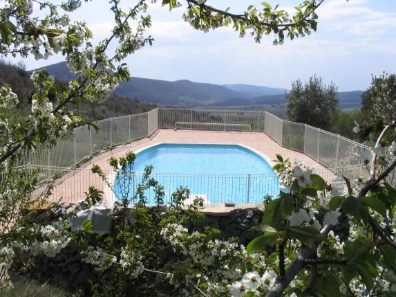 piscine chauffée, clôturée