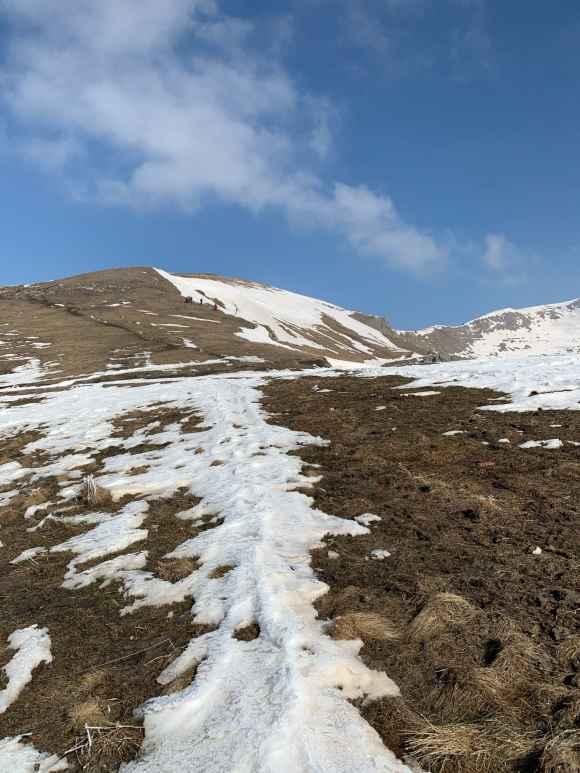 escursione monte nebin sentiero