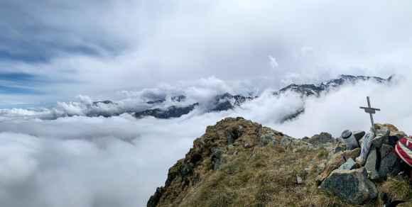 vista dalla cresta della rocca moross