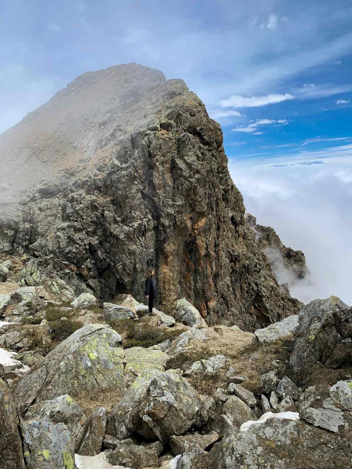 vista dalla base della Rocca Moross