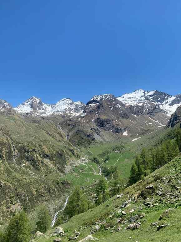 Vista sulla Val clavalité dall'alto