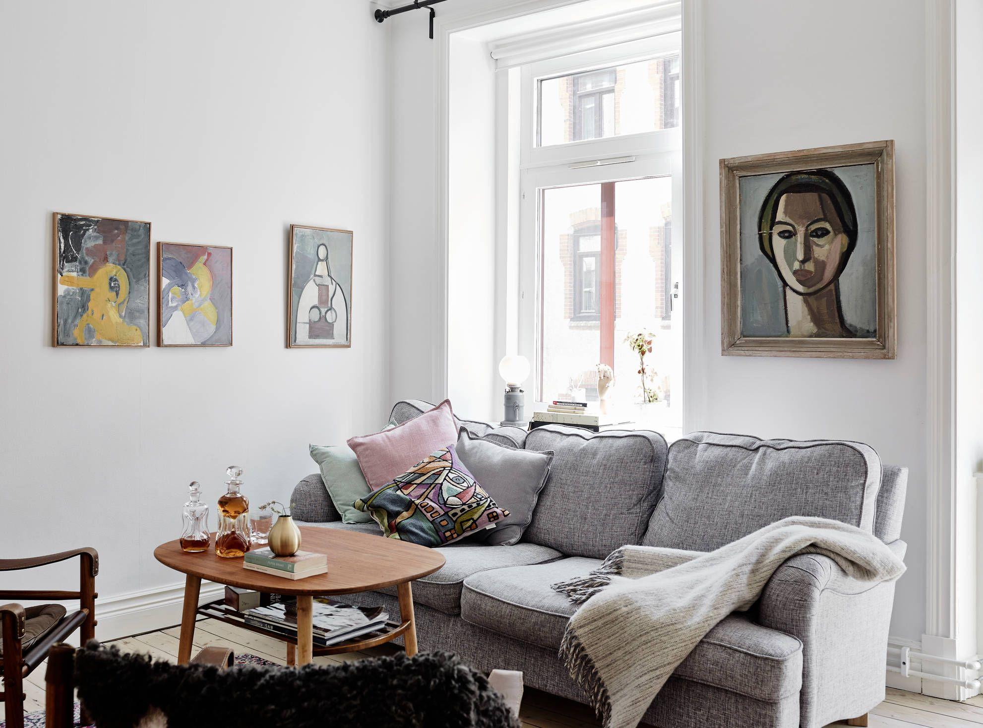 Rosa tramonto per un soggiorno romantico. Come Decorare La Parete Del Divano Schemi E Idee Per Il Soggiorno Giulia Grillo Architetto Art Home