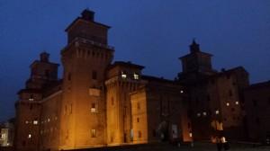 Ferrara, castello bynight