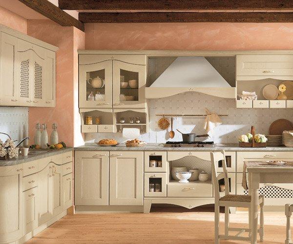 La cucina classica in tinta avorio