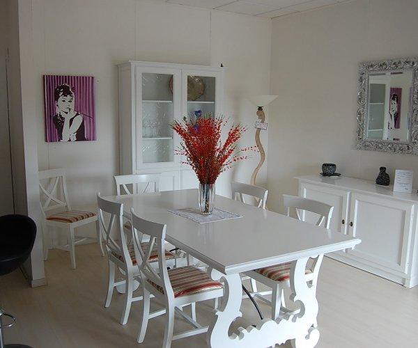 Il soggiorno classico bianco opaco
