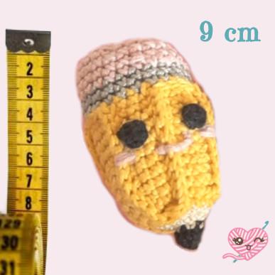 Dimensione finale della matita amigurumi è di 9 cm