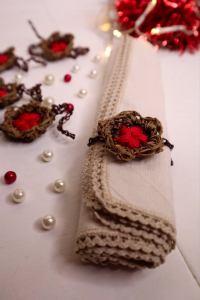 porta tovagliolo con fiore natalizio di Maria Bonfardeci