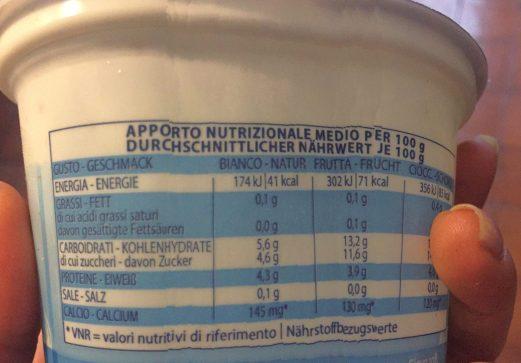 yogurt bianco o alla frutta