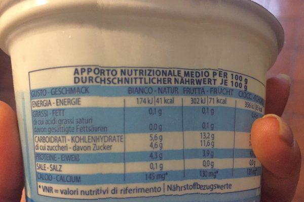 Yogurt bianco o alla frutta?