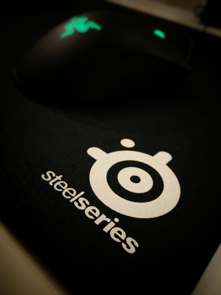 Steelseries QCK XXL Logo