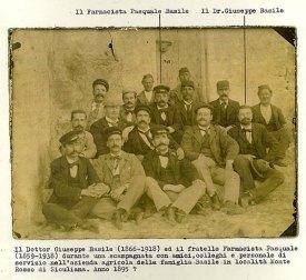 Fotografia della famiglia Basile.