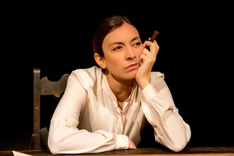 Marta Bettuolo, diretta da Stefano Eros Macchi, dare voce ad entrambi i personaggi del dramma: Maria Stuart, regina di Scozia ed Elisabetta, regina di Inghilterra.