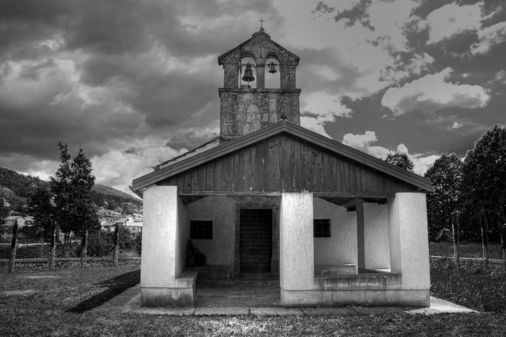Chiesa_LipaHDR_BN3