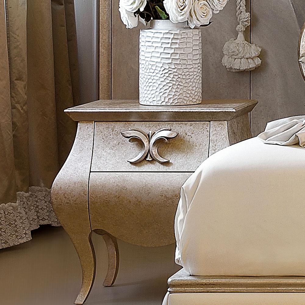 Comodini classici per larredamento della camera classica