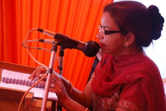 Rednerin bei einem Women Empowerment-Seminar
