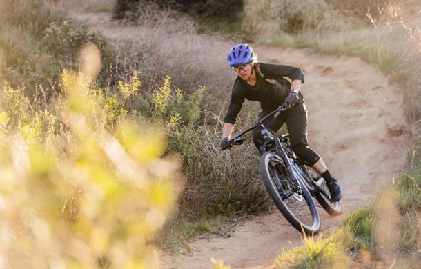 Gear Junkie Giro Manifest Mountain Bike Helmet Giveaway