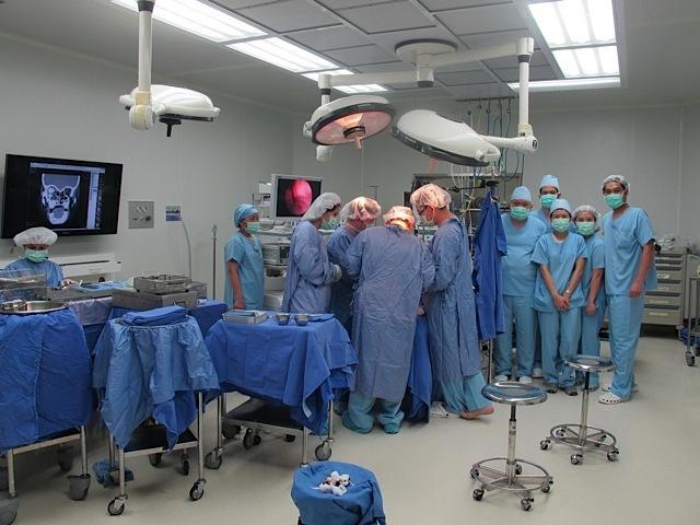 Bumrungrad doctors in action