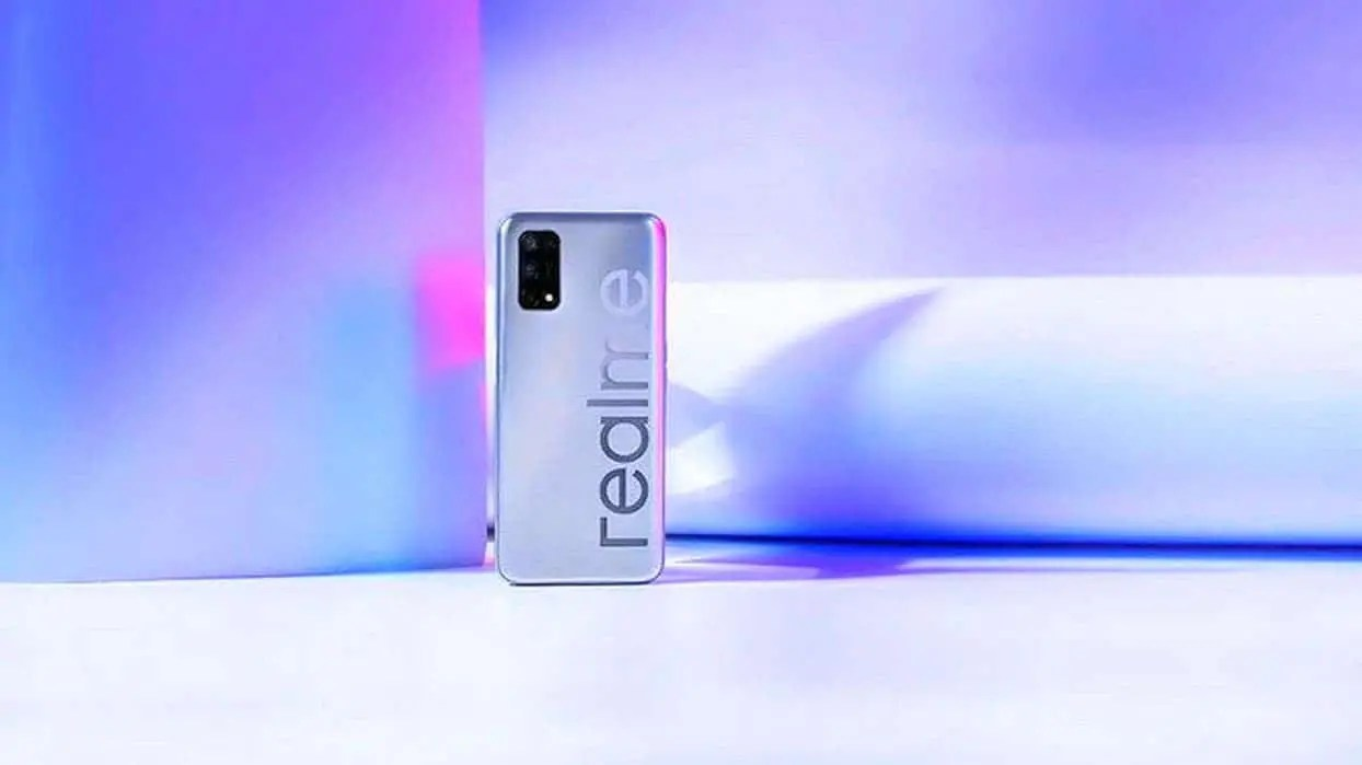 Realme V5 surfaces in leaked hands-on photos - Gizchina.com