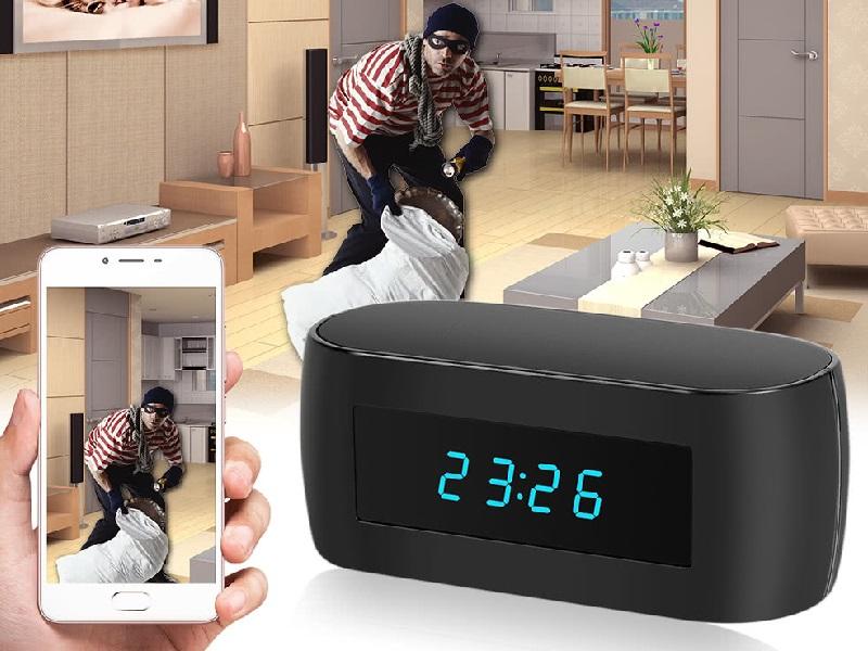 Mantente seguro con este despertador con cámara oculta