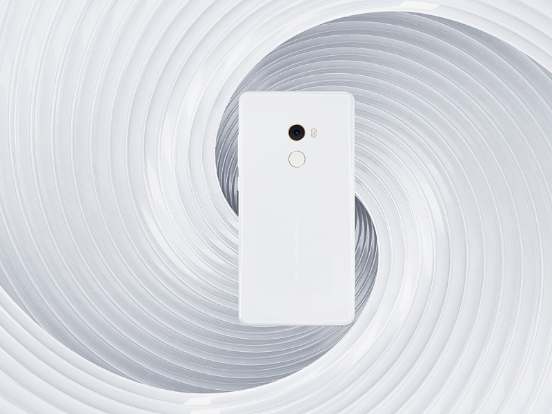 Xiaomi Mi Mix 2 llega en blanco con 8 GB de RAM, 128 GB de memoria