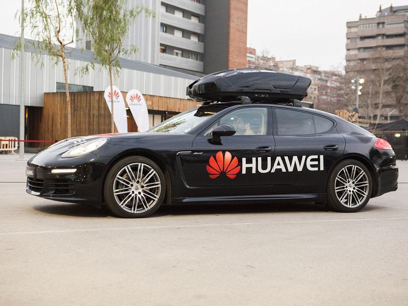 #MWC18: Así es RoadReader de Huawei, conducción autónoma con un smartphone