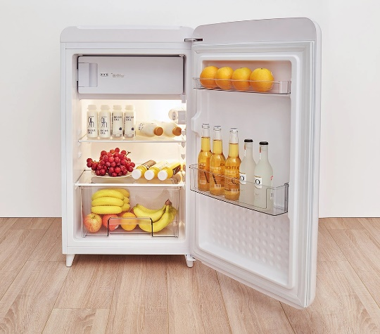 Xiaomi Mijia presents The Mini J Retro Mini Refrigerator for