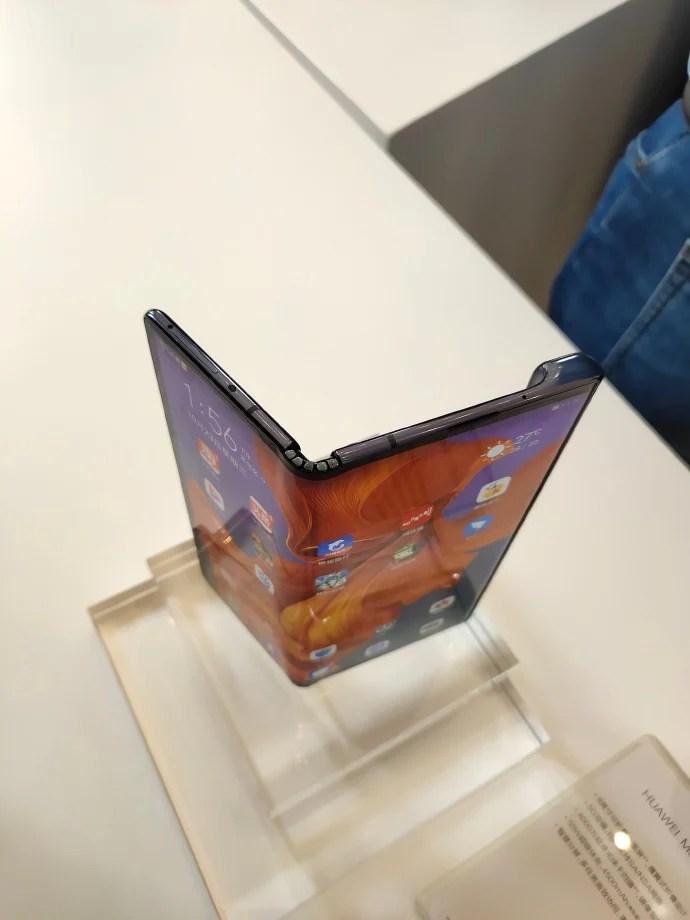 Huawei MAte X 5G 03