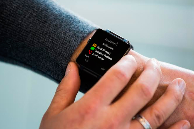 Garmin-vívoactive-smartwatch-wearable-disponibilidad-precio-2015