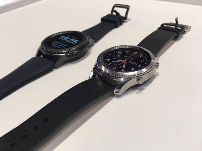 Dos modelos del Samsung Gear S3
